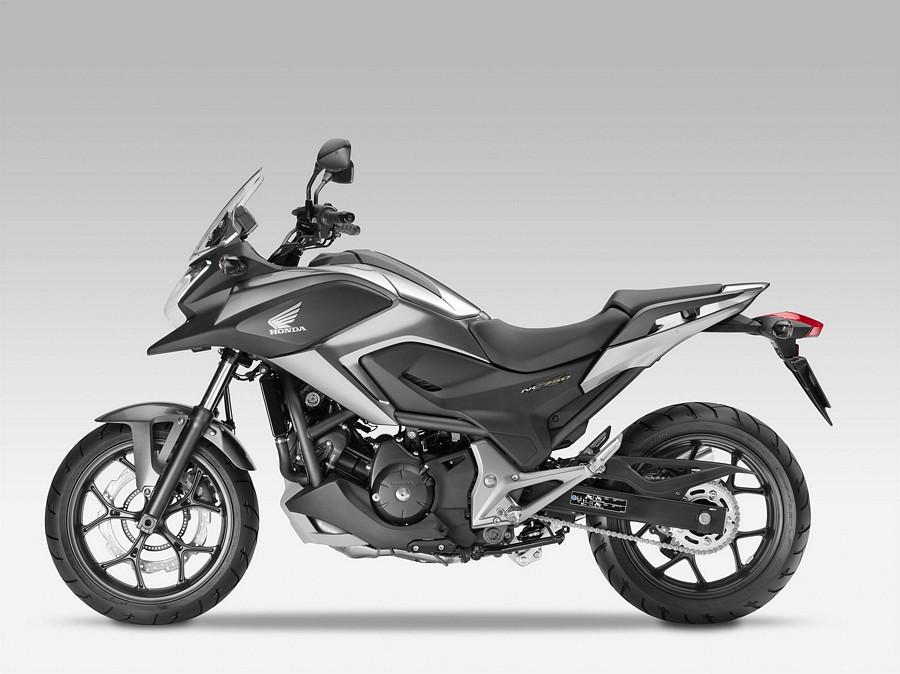 [Imagem: Honda-NC750X-2016-silver-grey-logo-emblems-set.jpg]