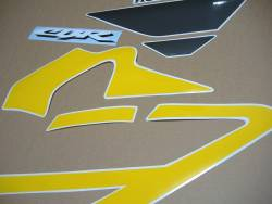 Honda CBR F4i 2003 reproduction yellow/grey graphics