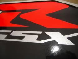 Suzuki GSX-R 750 K4 white logo graphics