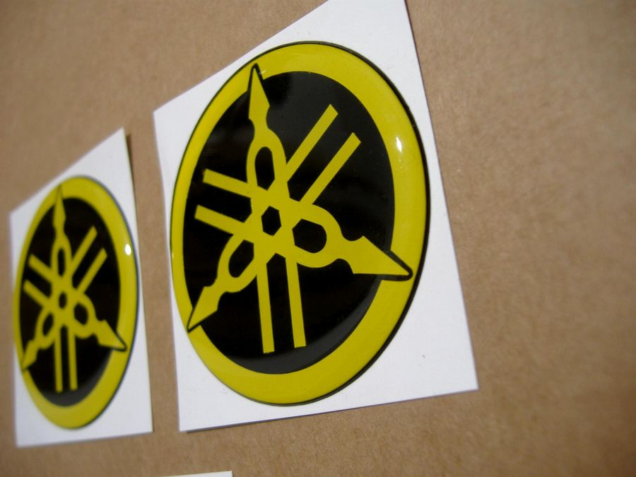 yamaha gel silicone 3d gas tank emblems decals in yellow - Moto-Sticker.com