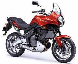Kawasaki KLE 650 2007 Versys red decals